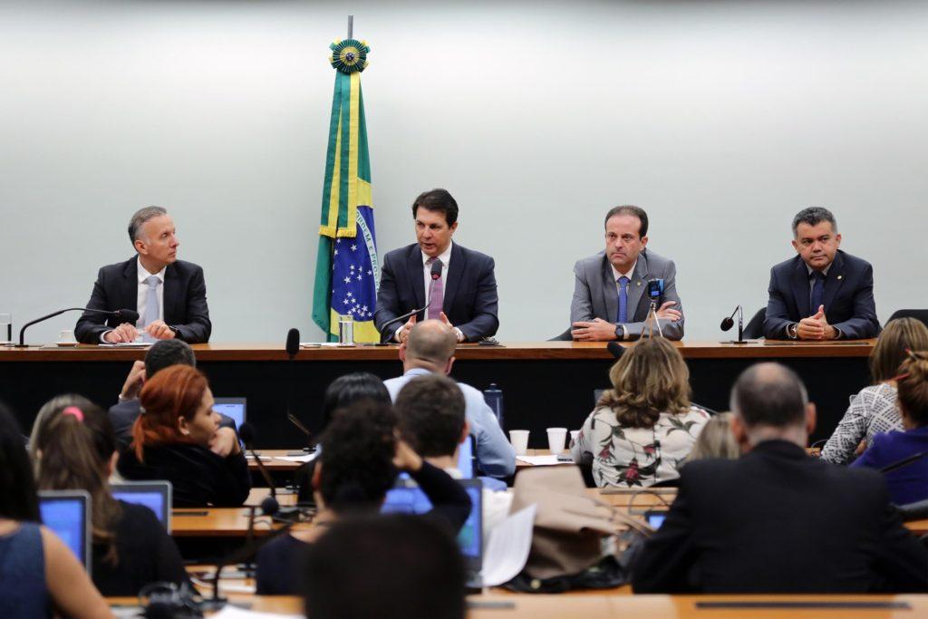 Mais uma vitória! Sem apoio, governo adia novamente votação da Reforma da Previdência para dia 28